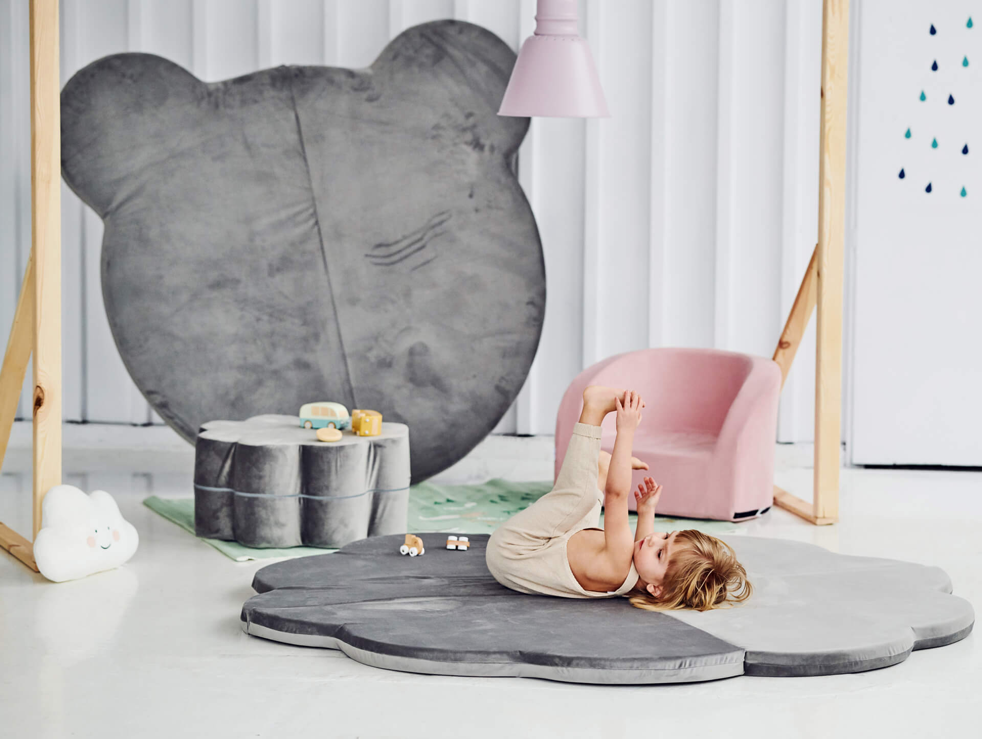 Playmat – Flower – Grey, 160cm